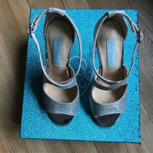 Betsey Johnson Tacie silver high heel size 6
